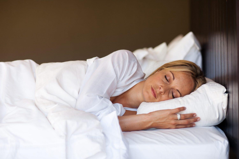 Como dormir cuando te operan la nariz